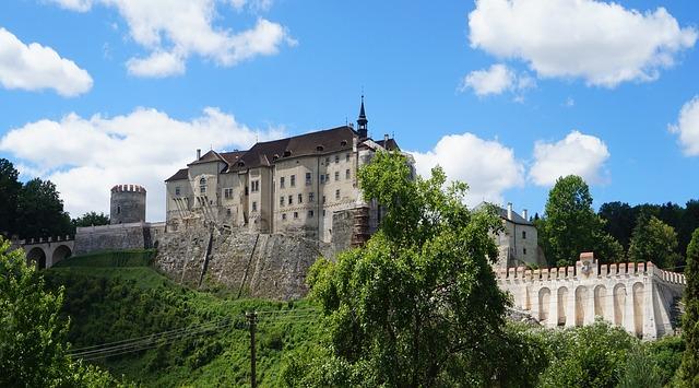 gotický hrad.jpg