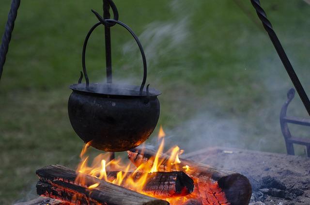 kotlík na ohni