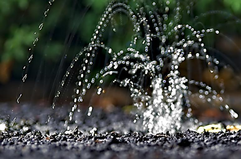 dopadající voda.jpg