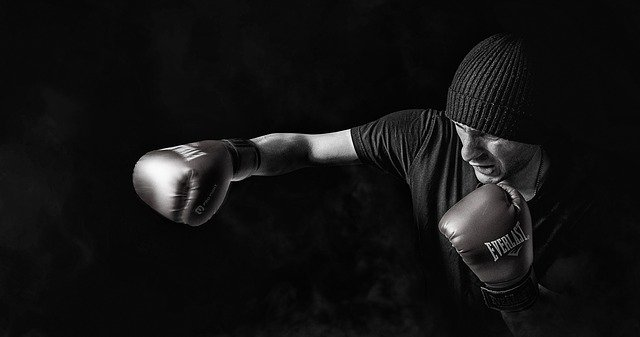 muž při boxu